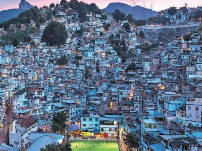 ब्रााझीलमधील फुटबाॅलचे हे मैदान तयार करते स्वत:साठी वीज...